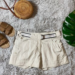 Nike creme belted chino shorts size s (4-6)